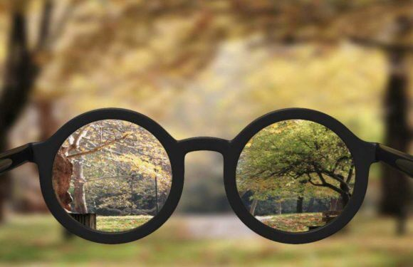 Myopia (near-sightedness): Symptoms, Causes & Treatment