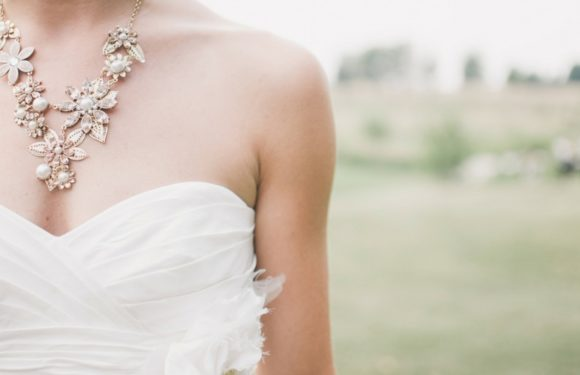 A Must Have Wedding Accessories Checklist for Every Bridal