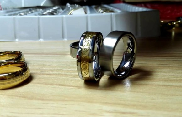 What Should You Know about Tungsten Used in Men's Wedding Rings?