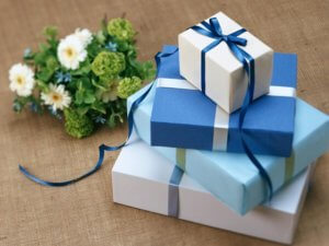 blue wrapping paper, gift