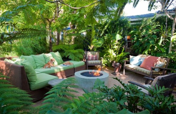 7 Backyard Decoration Ideas To Spruce Up Your Garden