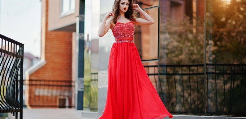Tips to Choose the Best Style of Evening Dresses