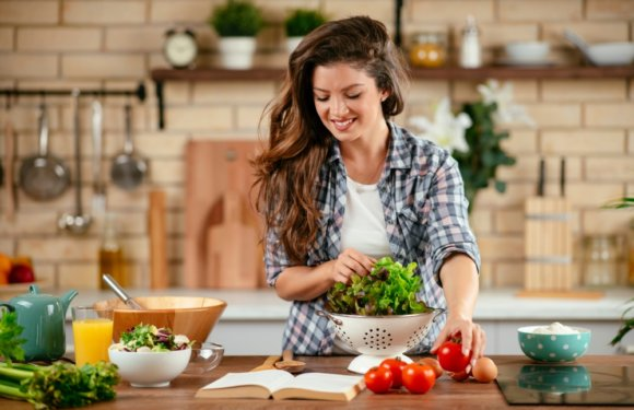 Eat Yourself Healthy: Food and Drink That Should Be in Your Meal Plan