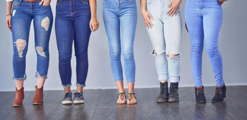 6 Tips for Buying Jeans Online That Actually Fit